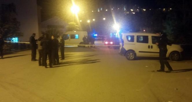 Ankara'da Gece Saatlerinde Karı – Kocaya Kanlı İnfaz! Çocukları Her Şeyi Gördü!