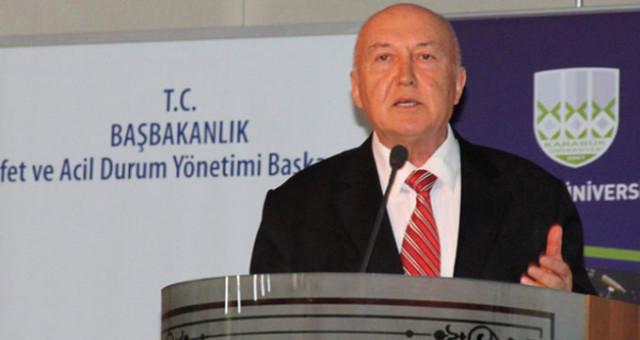 """Deprem Profesörü Ahmet Ercan'dan Şok Uyarı: """"Bu Deprem Uyarıcıydı, Yazlıklarınıza Gidin"""""""