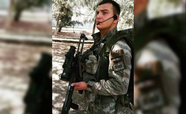 Diyarbakır Şehidi Gökhan Bayram İlahi Okuduğu Video İle Yürek Yaktı!
