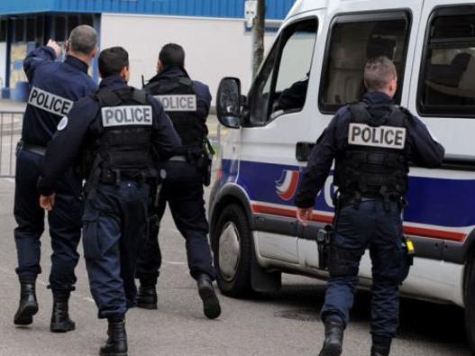 Fransa'da Bomba Alarmı! Şüpheli Bavul Panik Yarattı!