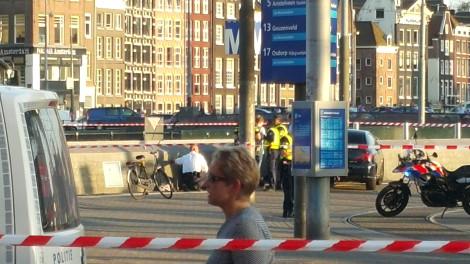 Hollanda'da Terör Alarmı! Bir Araç Yayaların Arasına Daldı 8 Kişi Yaralandı