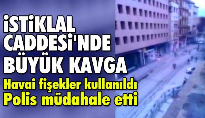 İstiklal Caddesi'nde Fenerbahçe ve Olympiakos Taraftarları Arasında Arbede Çıktı