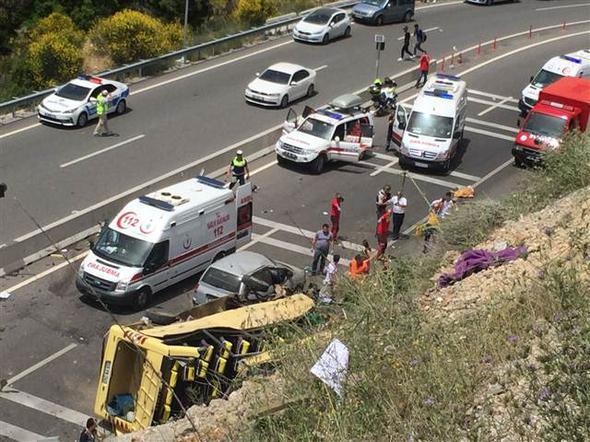 Katliam Gibi Kazada Ölü Sayısı Artıyor! Muğla'da Tur Otobüsü Kazasında 23 Ölü 11 Yaralı!