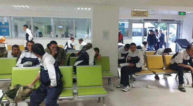 Manisa'da Yine Zehirlenme Vakası! 50 Asker Zehirlenme Şüphesi İle Hastaneye Kaldırıldı!