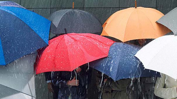"""Meteoroloji'den İstanbul için Kritik Uyarı: """"Yağışlar Öğleden Sonra Artarak Devam Edecek"""""""
