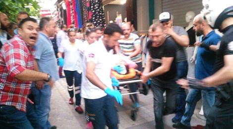 Son Dakika! İstanbul Güngören'de Kalabalığın Üzerine Uzun Namlulu Silahlarla Ateş Açıldı! Olay Yerinden İlk Görüntüler!