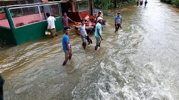 Sri Lanka'da Sel Felaketi 146 Can Aldı