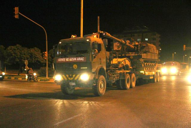 Suriye Sınırında Sıcak Saatler! Afrin'in Karşısına Komando Sevkiyatı!
