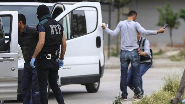 Türkiye Genelinde 11 Bin Polisle Narkotik Operasyonu