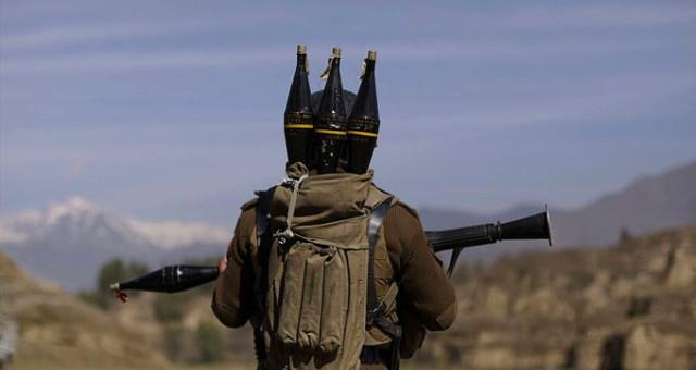 Van'ın Gevaş İlçesinde PKK'lı Teröristler İftar Saatinde Emniyet Müdürlüğü'ne Roketle Saldırdı!