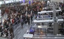 Atatürk Havalimanı'nda bir kişi pasaport kontrol noktasında öldü