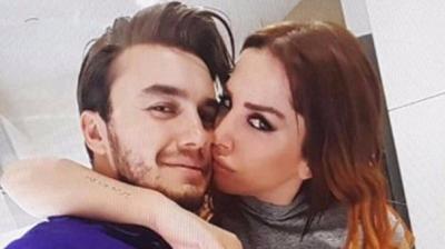 Eşinden 5 Gün Önce Boşanan Mustafa Ceceli, Selin İmer'le Evleneceğini Açıkladı! Sosyal Medyadan Tepki Yağıyor!