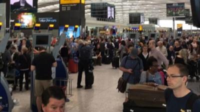 İngiltere'de Siber Saldırı Kabusu Bir Kez Daha Hortladı! Sistem Çöktü Yüzlerce Yolcu Havalimanı'nda Kaldı!