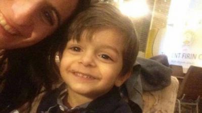 İzmir'de 3 Yaşındaki Alperen, Unutulduğu Okul Servisinde Havasızlıktan Öldü