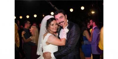 Kanseri Yenen Anaokulu Öğretmeni Hayallerindeki Düğünle Evlendi