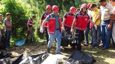 Sakarya'nın Hendek İlçesinde İşçileri Taşıyan Traktör Devrildi, 7 Ölü