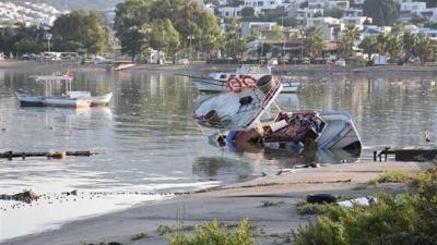 Son Dakika! Ege'de 6.3 Şiddetindeki Depremden Sonra Oluşan Tsunami Görüntüleri Korku Filmlerini Andırdı!