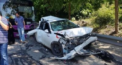 Üsküdar'da Feci Kaza! Freni Boşalan Halk Otobüsü 10 Aracı Biçti, Yaralılar Var!