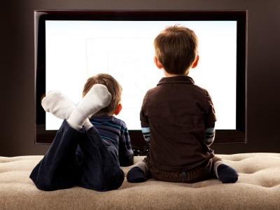 Uzmanlar Uyarıyor! Çocukların İnternetten Oyun Oynayanların Videosunu İzlemesi Yasaklansın