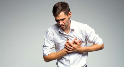 Uzmanlar Uyarıyor! Göğüs Ağrılarını Hafife Almayın, Kalp Hastalıklarının Habercisi Olabilir