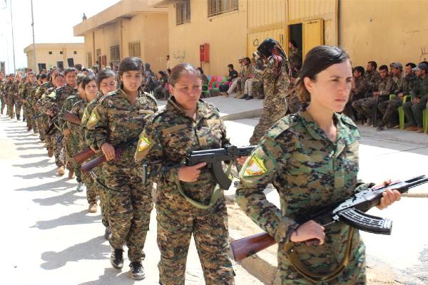 ABD'li Askerlerden Bir Skandal Daha! Bu Defa da YPG'li Teröristlerin Yemin Törenine Katıldılar!