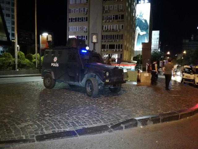 ABD'nin Saldırı Uyarısından Sonra Mecidiyeköy'de Özel Harekat Polisleri Uygulama Yapmaya Başladı