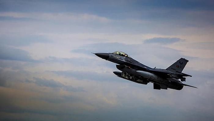 Afrin Operasyonunda Kahraman Türk Pilotu İmkansızı Başardı! Lazerler İşaretledi, 20 Metreden Uçtu, Vurdu!