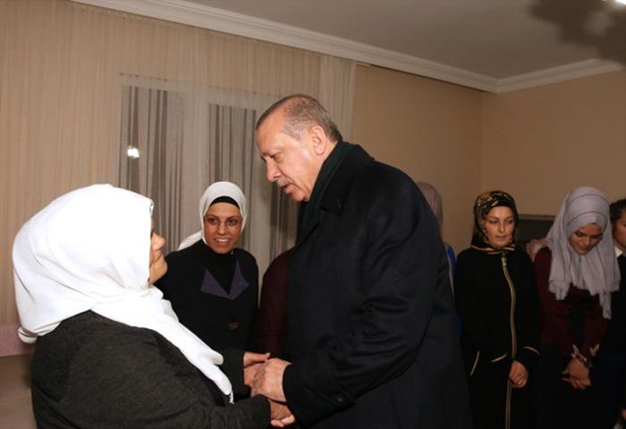 Cumhurbaşkanı Erdoğan Maçka Şehidi Eren Bülbül'ün Evini Ziyaret Etti
