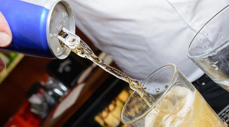 Enerji İçeceğini Alkolle Birlikte İçenler Dikkat! Uzmanlar Ciddi Şekilde Uyardı!