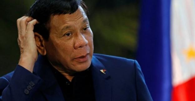 """Filipinler Devlet Başkanı Rodrigo Duterte'dan Skandal Sözler """"Üç Kişiye Tecavüz Ederseniz Ben Üstlenirim"""""""
