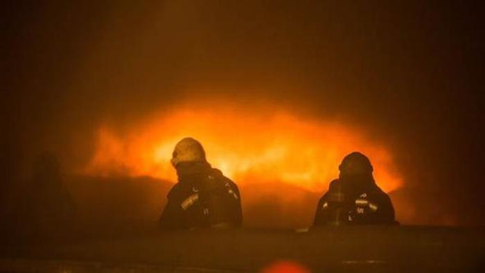Gaziantep'te Sentetik Tekstil Fabrikasında Çıkan Yangın 2 Saatte Güçlükle Kontrol Altına Alındı