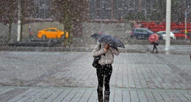 Haftalardır Bekleniyordu! İstanbul'da Kar Yağışı Başladı, Kar Yağışı Ne Kadar Sürecek
