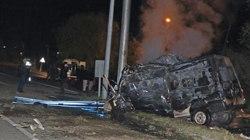 Iğdır'da Gece Yarısı Büyük Facia: Göçmenleri Taşıyan Minibüs Kaza Yaptı, Çok Sayıda Ölü ve Yaralı Var