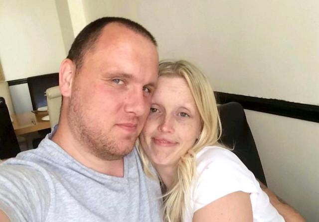 İkisi De Birbirinden Psikopat! Zalim Çift 17 Ay Boyunca Eve Kapattıkları Genç Kızı Cinsel İlişki Kölesi Yaptı