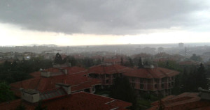 İstanbul Akşam Saatlerinde Yağmura Teslim Oldu! Yağmur Etkisini Ne kadar Sürdürecek!