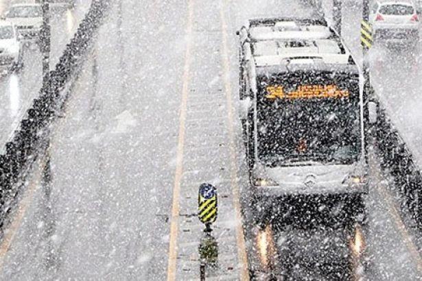 İstanbulluların Beklediği Soru Cevap Buldu! Kar Yağışı Ne Kadar Sürecek