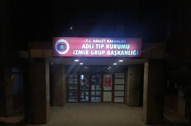 İzmir'de Kötü Koku Polisi Harekete Geçirdi, Bulunan Cesedin Durumu İçler Acısıydı