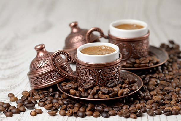 Kahve Tiryakilerini Üzen Haber! Günde 2 Bardaktan Fazlası Yaşlandırıyor!