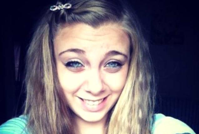 Kanlar İçinde Kaldı! Madde Bağımlısı Genç Kadın Gözlerini Oyarak Kendini Kör Bıraktı