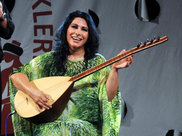 Kanserle Savaşıyordu! Ünlü Türk Halk Müziği Sanatçısı Hayatını Kaybetti