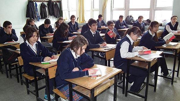 Milli Eğitim Bakanı İsmet Yılmaz'dan Ders Saatleri Konusunda Sürpriz Açıklama