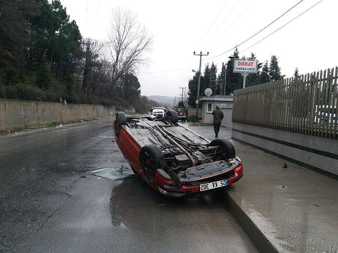 Patron Çıldırdı! Kardeşine Kızdı, Fabrika Önünde Park Halindeki Araçları Forkliftle Yıktı Geçti