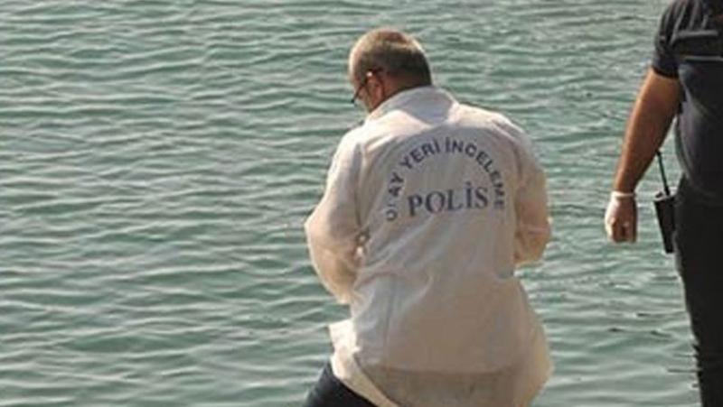 Pendik'te Ceset Operasyonu! Lodos Yüzünden Denizdeki Ceset Saatlerce Çıkartılamadı