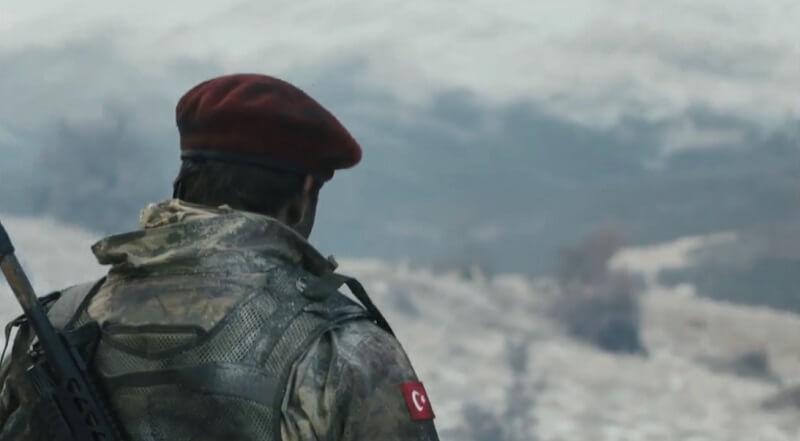 """Savaşçı Dizisi 23 Nisan Yeni Bölümde Çalan """"Şu Karşıki Dağlar"""" Şarkısı Çok Dikkat Çekti! İşte Savaşçı Dizisi Şarkısının Videosu ve Sözleri!"""