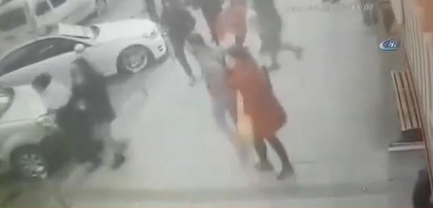 Son Dakika! İstanbul Zeytinburnu'nda Afrin operasyonuna Destek İçin Yürüyen Ülkücülere Ateş Açıldı: 3 Yaralı