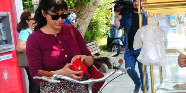 Tuğba Ekinci'den Mustafa Ceceli'ye Şok Gönderme 'Türk Erkeği Parayı Bulunca Önce Karıyı Değiştirir'
