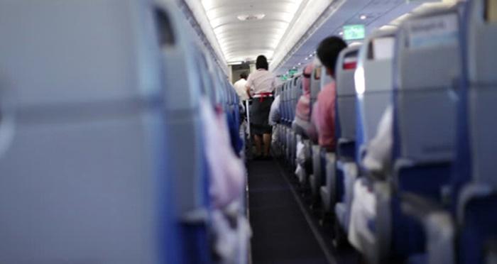 Uçakta Skandal Taciz! Kadın Yolcu Uyuyakaldı, Uyandığında Elini Yanındakinin Cinsel Organında Buldu