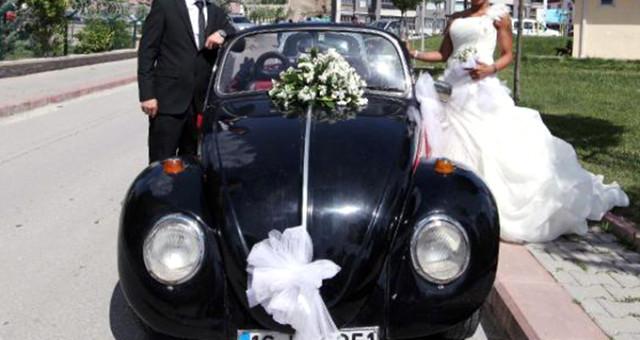 Uşak'ta FETÖ Şüphelisi Yeni Evli Çift Düğünlerine Giderken Gözaltına Alındı!