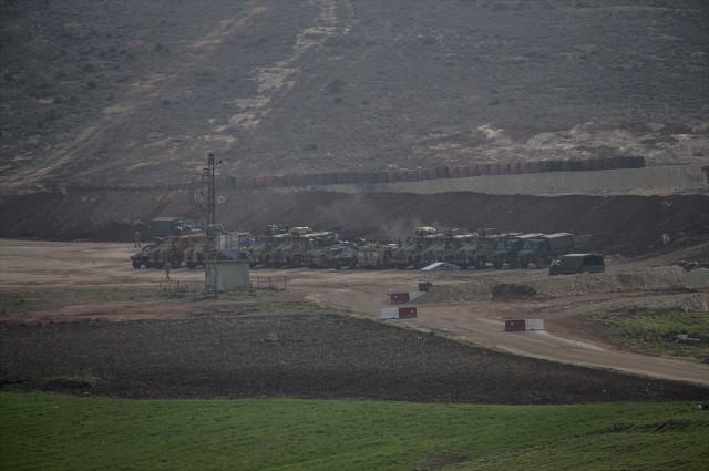 Sınırda Hareketli Anlar! Silahlar Afrin'e Çevrildi, Asker Hazırda Bekliyor