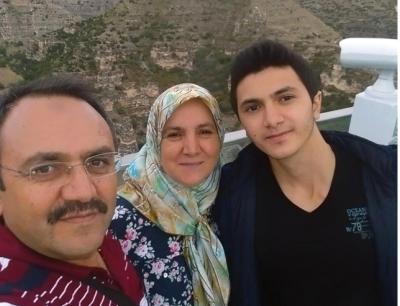 18 Yaşındaki Genç Katliam Yaptı! Önce Anne ve Babasına Daha Sonrada Kendisine Sıktı
